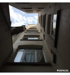 Exterior reflector