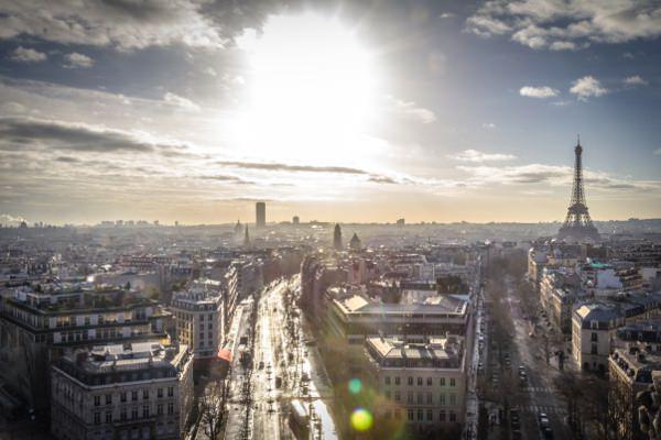 appartement-studio-parisien-paris-manque-de-lumiere-espaciel-solution-apporter-lumiere-habitation