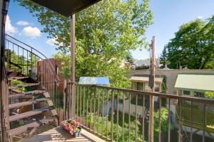 reflecteur-balcon-solaire-espaciel-installe-sur-la-balustrade