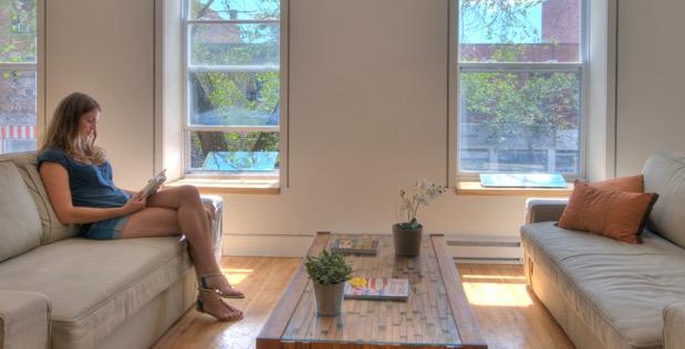 mise-en-situation-des-reflecteurs-espaciel-au-canada-dans-un-appartement