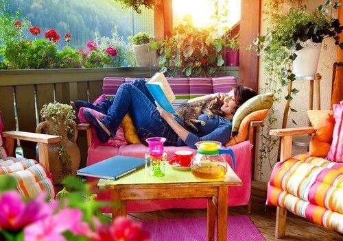 mobilier-en-couleur-pour-amenagement-balcon