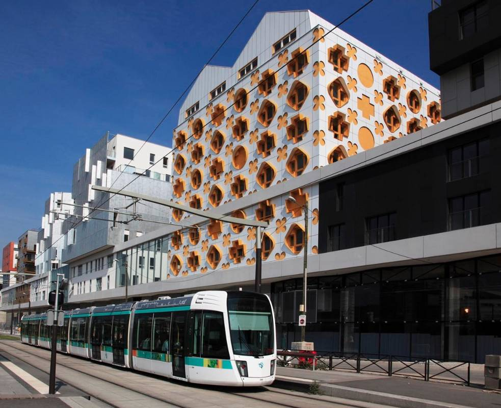 quartier-tram-ultra-connecte-entrepot-macdonald