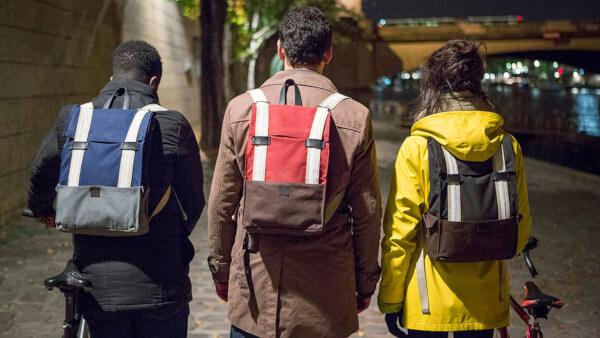 troisième idée cadeau choisi par les Petits Frenchies et Espaciel, le sac à dos connnecté galanck avec de multiples fonctions pour les cyclistes et vélocipèdes