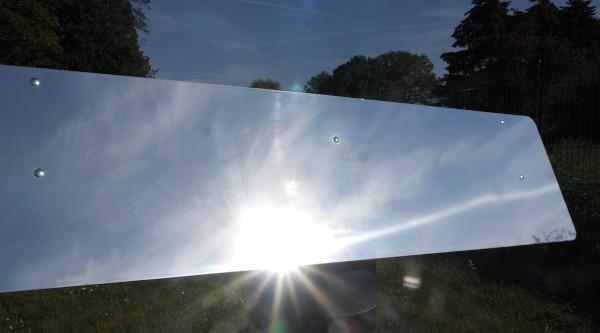surface du réflecteur jardin motorisé avec un rayon de soleil