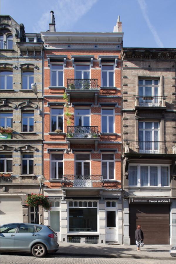 façade de maison Bruxelles expose est soleil le matin luminosité