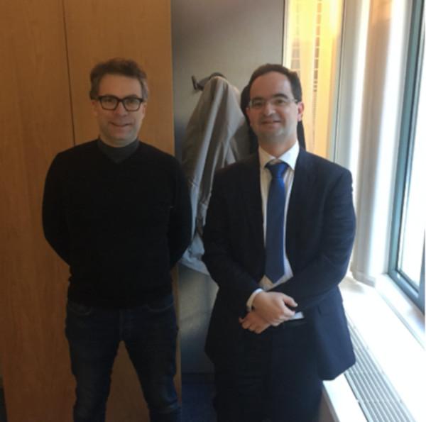 alexi le fondateur espaciel et le ministre conseiller dans les bureaux à Bruxelles